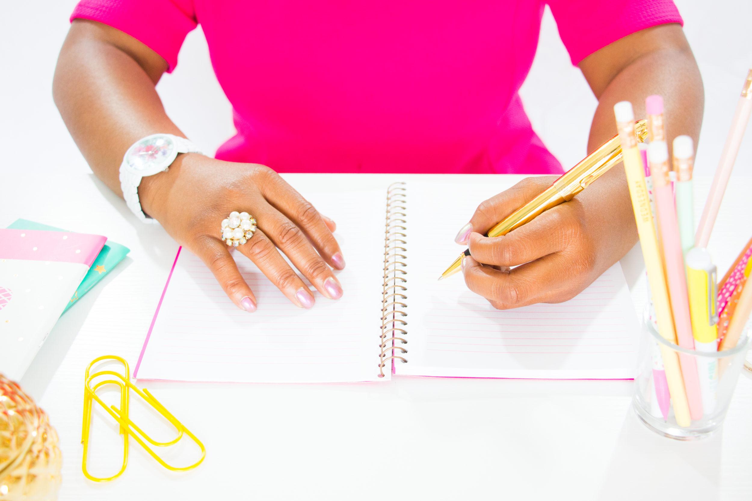 CONTACT - The Feminine Code | Discovery Calls, Coaching & General Enquiries